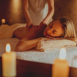 trattamenti benessere  Massaggio con candele profumate