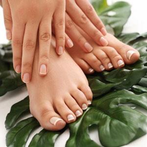 Manicure e pedicure estetico